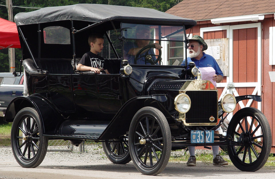 Google Image Result for //usedcars.offleaseonly.com/wp-content/uploads/2012/08/1915-Ford-Model- T-Touring.jpg | Back in time | Pinterest | Ford models ... : 1923 ford model t touring car - markmcfarlin.com