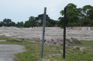 Construction is underway at 1200 S. Congress Ave. where OffLeaseOnly's new Palm Beach store will be built.