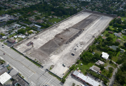 Future site of OffLeaseOnly Palm Beach at 1200 S. Congress Ave.